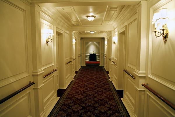 first-class-hallway-the-henry-ford-titanic-the-artifact-exhibition