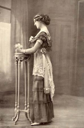 Vintage_fancy_edwardian_lady_2_by_MementoMori_stock