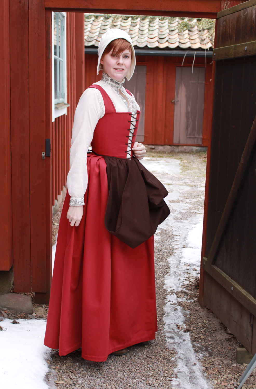 Fashion Through The Decades: 16th Century Peasant