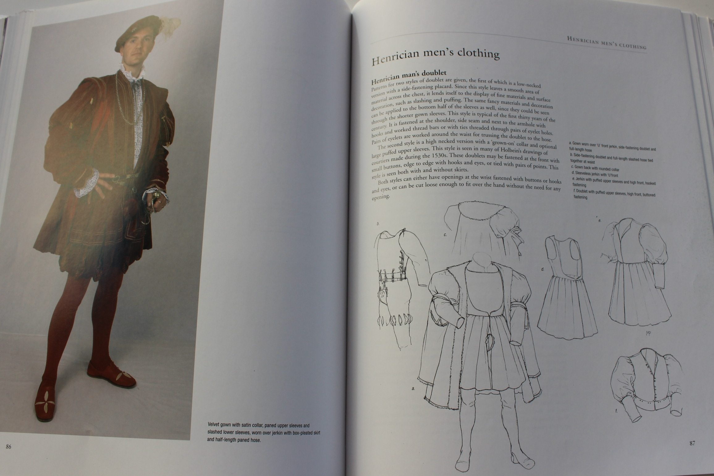 Book Review – the Tudor Tailor |