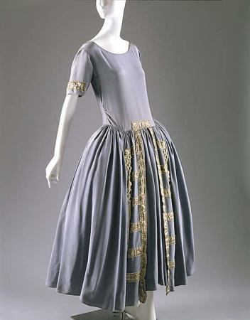 lanvin-blue-1922-Culture-French-silk-metal-glass