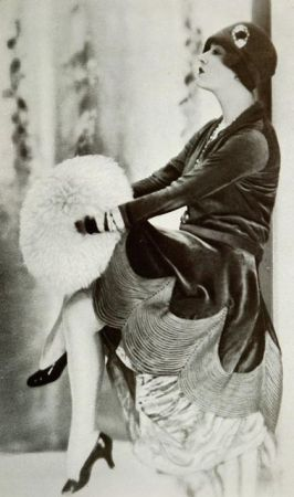 Les Modes (Paris) November 1927 Robe d'apres-midi pa